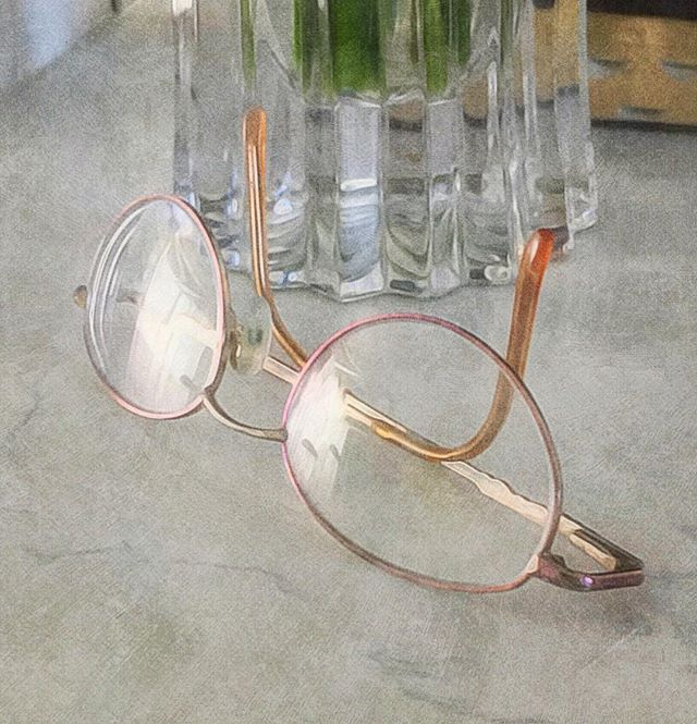 Glasses, Vase & Countertop (edit)